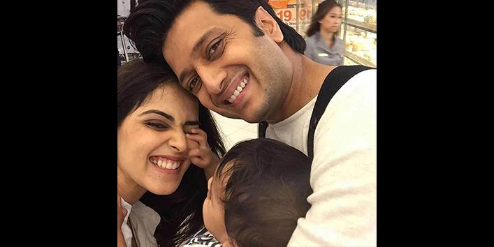 Ritesh-Deshmukh-and-Genelia-D'Souza-with-son