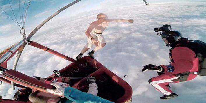 men jump without parachute2