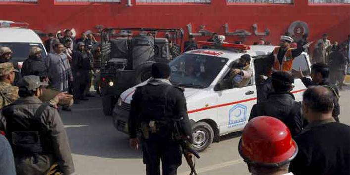 इससे-पहले-की-पाकिस्तान-की-पुलिस-और-सेना-कुछ