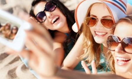 Girls-Selfie5