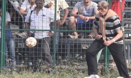 amitabh bachchan play football in kolkata