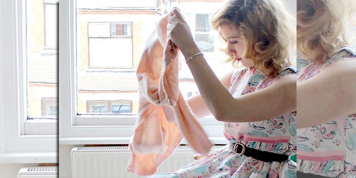 धूप-में-निकलते-समय-कपड़ों-का-करें-चुनाव