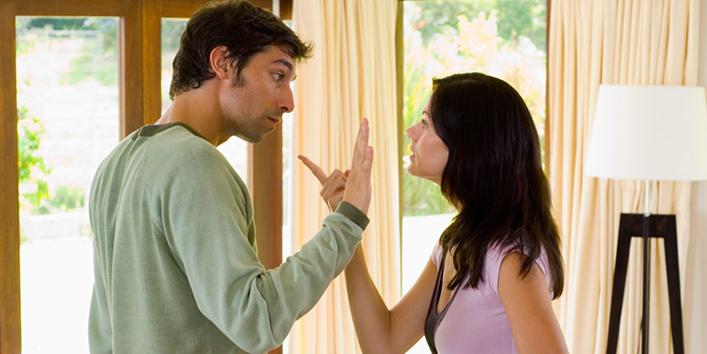 भूलकर-भी-रिश्ता-खत्म-करने-की-बात-कभी-ना-बोलें