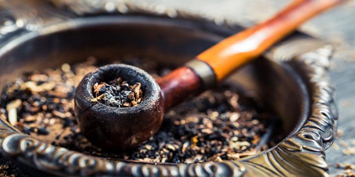pipe-ashtray