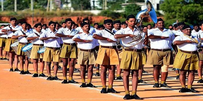 Swaminarayan idol gets RSS uniform in Surat- creates a row 1