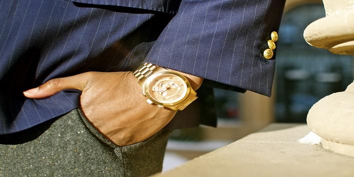 watch on left hand wrist 1