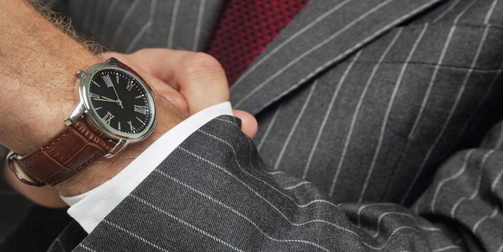 watch on left hand wrist 3