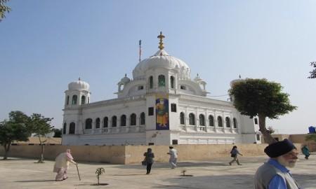 pakistanborderindiaindia-pakistan-bordergurudwara1