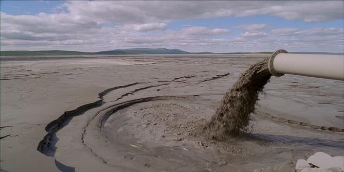 polluted-beach1