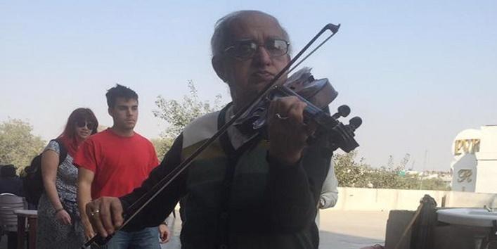 swapan-settkolkatakolkata-violinist-performs1
