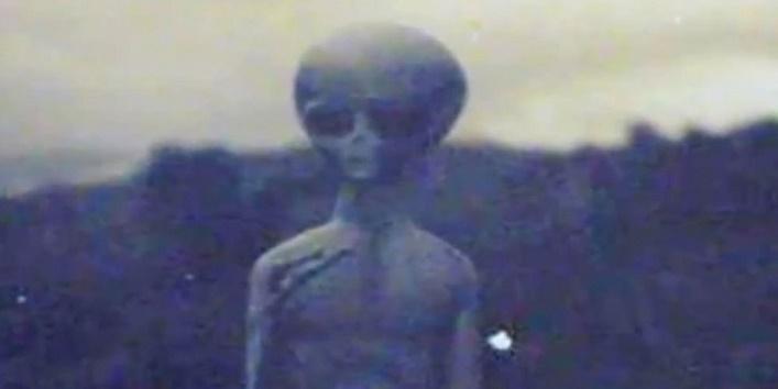 Aliens live1