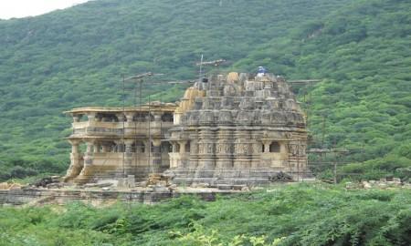 naulakha-temple