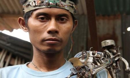 village-man-made-mechanical-arm