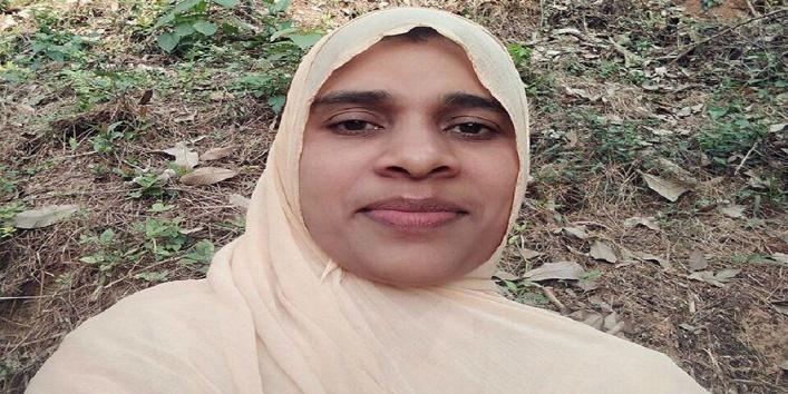 कौन हैं यह महिला इमाम