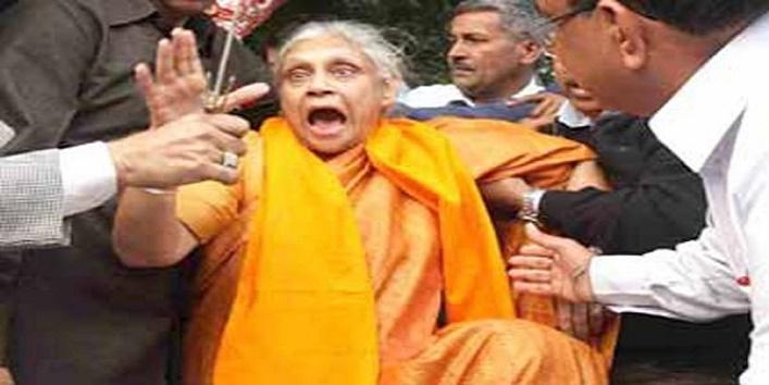 जब शीला दीक्षित ने राखी सावंत को बिना मेकअप के देख लिया था