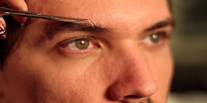 लड़कों की आंखें पसंद करती हैं लड़कियां