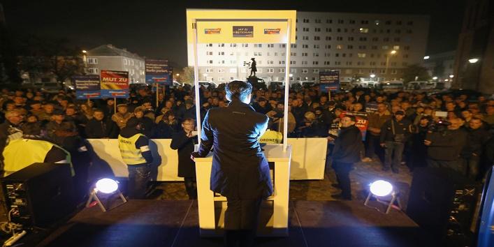 लोगों के विरोध ने सरकार के छुड़ाए पसीने