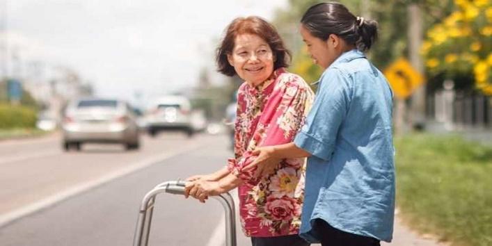 माता-पिता तथा बुजुर्गों का करें आदर