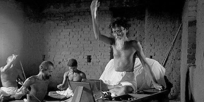 गांधी-के-सामने-विनोबा-की-अलग-पहचान